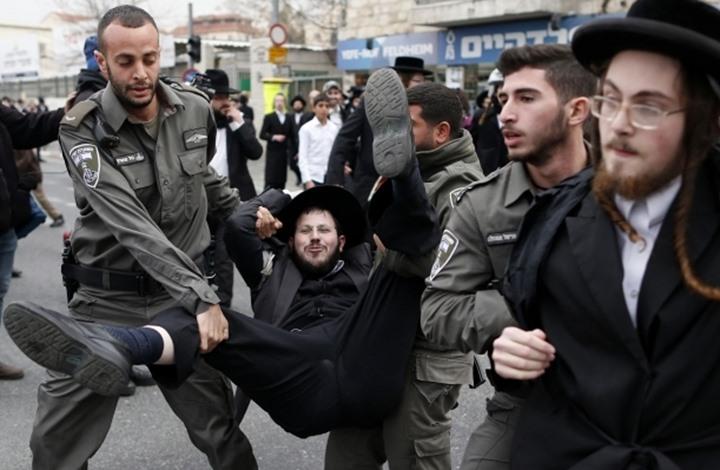 معاريف: دخول إسرائيل عقدها الثامن إنذار بتفككها