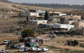 إلصاق أوامر هدم وإخلاء على منازل لمواطنين في قرية رخمة بالنقب