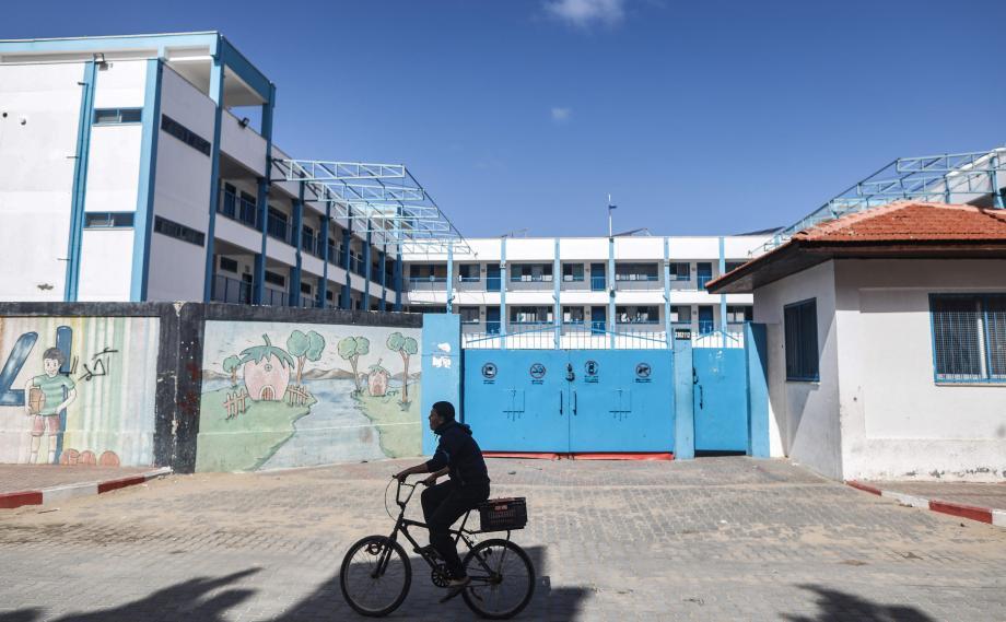 Photo of تمديد إغلاق المدارس في قطاع غزة حتى نهاية الأسبوع