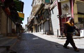 """مصر تدخل مرحلة """"الانتشار غير المُدار"""" لكورونا"""