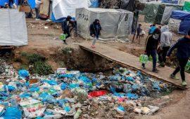 اليونان تعزل ثاني مخيم للاجئين بعد تأكيد إصابة بفيروس كورونا
