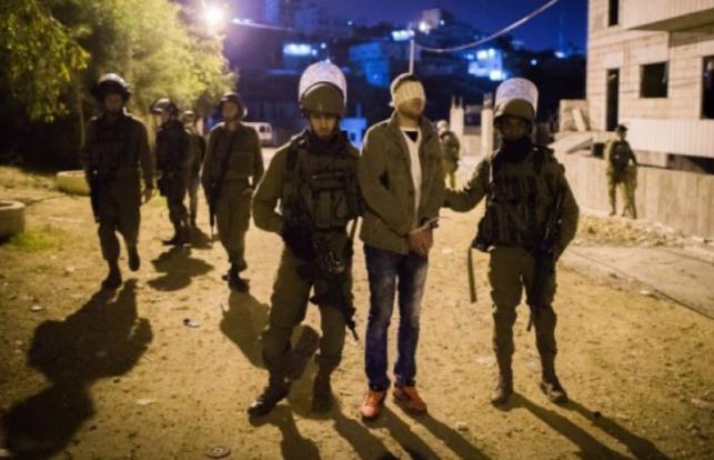 Photo of القدس: الاحتلال يعتقل أسيرين محررين في أبو ديس ومواجهات في الطور