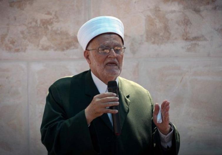 Photo of الشيخ صبري يحذر من استفراد الاحتلال بالقدس مستغلا كورونا