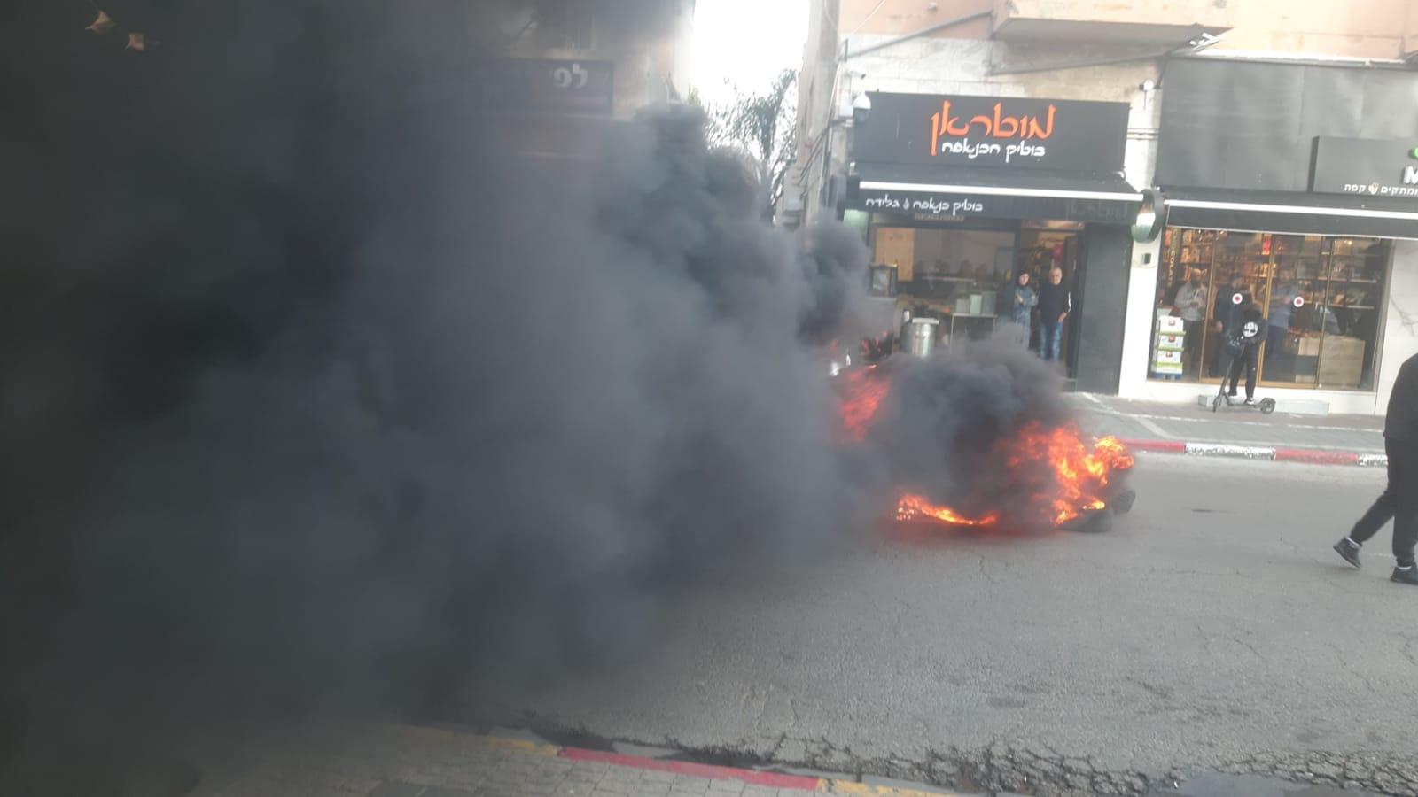 Photo of غضب في يافا جراء اعتداء الشرطة على الأهالي (شاهد)