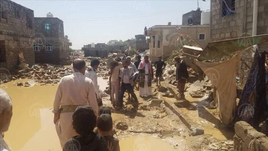 Photo of الأمم المتحدة: تضرر 100 ألف شخص جراء سيول اليمن