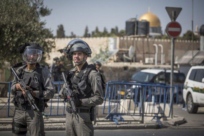 Photo of الاحتلال يعرقل وصول المصلين إلى الأقصى