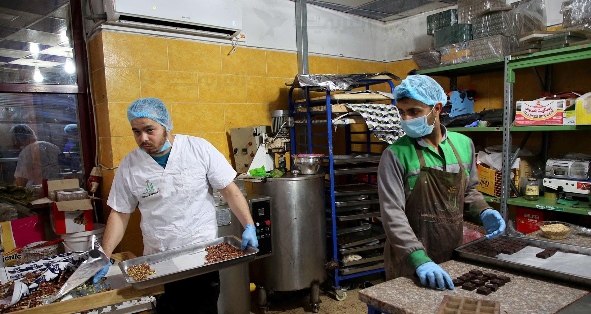 Photo of شوكولاتة العيد.. صُنع في غزة