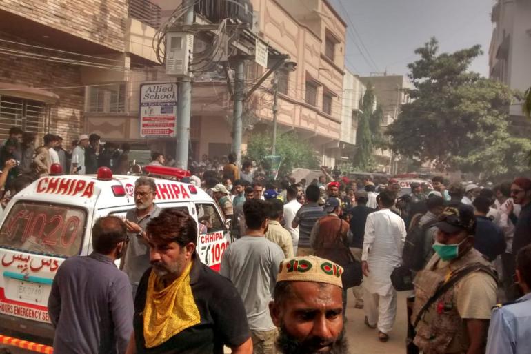 Photo of تحطم طائرة باكستانية تقلّ 107 أشخاص