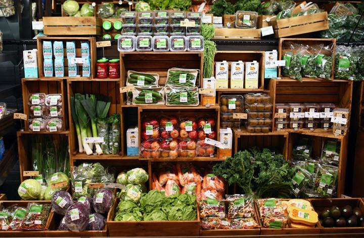 الصحة العالمية: لا دليل على انتقال كورونا عبر المواد الغذائية