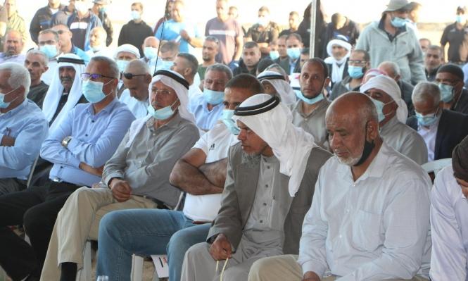 Photo of النقب: المئات يحتشدون في خربة الوطن رفضًا للمصادرة