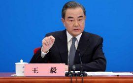 """وزير الخارجية الصيني: بكين وواشنطن تقتربان من """"حافة حرب باردة جديدة"""""""