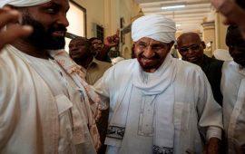 السودان: المهدي يحذر من الوصاية الدولية ويرفض التطبيع مع تل أبيب