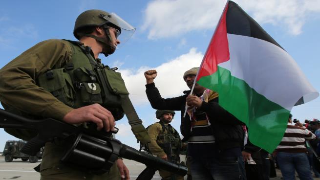 Photo of فواتير الكهرباء… أولى حلقات الضم الإسرائيلي للأغوار الفلسطينية