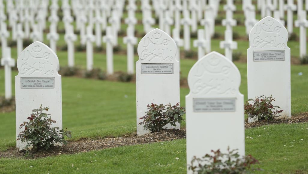 Photo of لا مكان لدفنهم.. موتى كورونا المسلمون ينتظرون بثلاجات ومشارح فرنسا