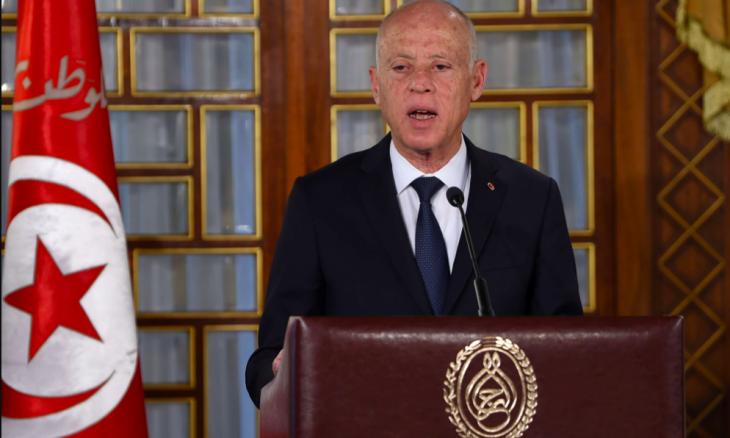 Photo of الرئيس التونسي يحذر من بث الفوضى في بلاده