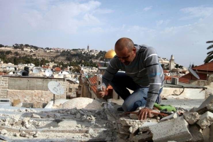 Photo of الاحتلال أجبر 35 مقدسيًا على هدم منازلهم ذاتيًا