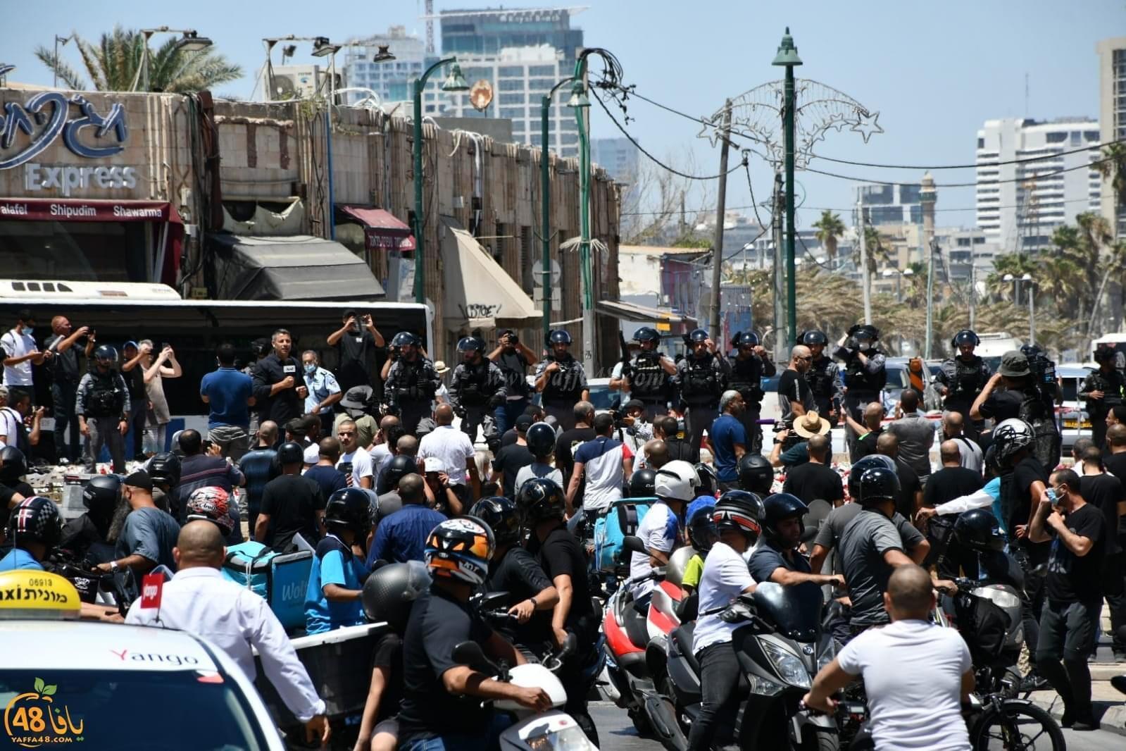 Photo of انطلقت بعد صلاة الجمعة: تظاهرة حاشدة في يافا احتجاجا على تجريف مقبرة الإسعاف