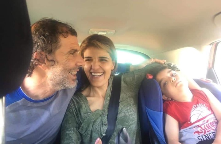 Photo of أسير يحتضن ابنه لأول مرة.. أنجب بنطفة مهربة
