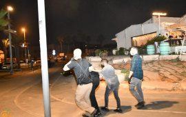 يافا: الشرطة تعتدي على المحتجين لاستمرار العمل في مقبرة الإسعاف وتعتقل 4 شبان