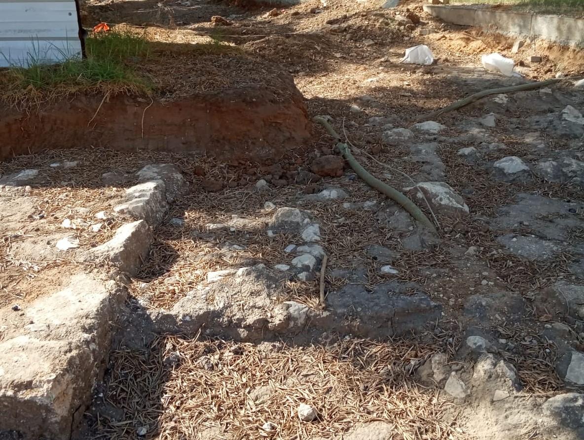"""Photo of """"ميزان"""" تلتمس للمركزية في اللد ضد بلدية """"يهود""""  وتزييفها للحقيقة حول دورها في نبش مقبرة العباسية"""