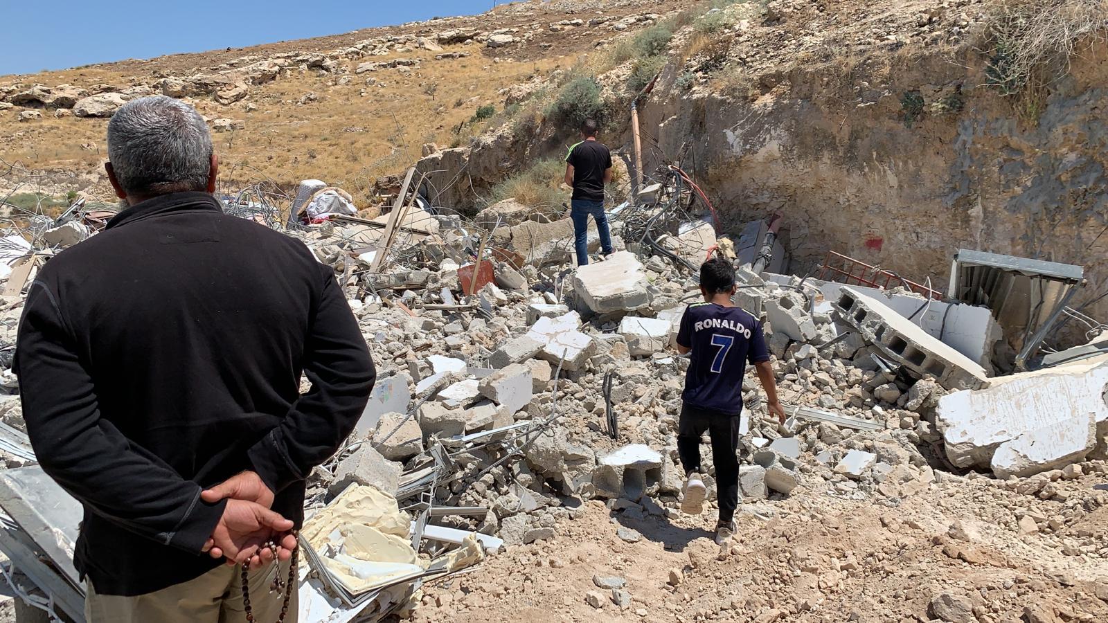 Photo of بلدية الاحتلال تجبر مقدسيين على هدم منزليهما ذاتيا