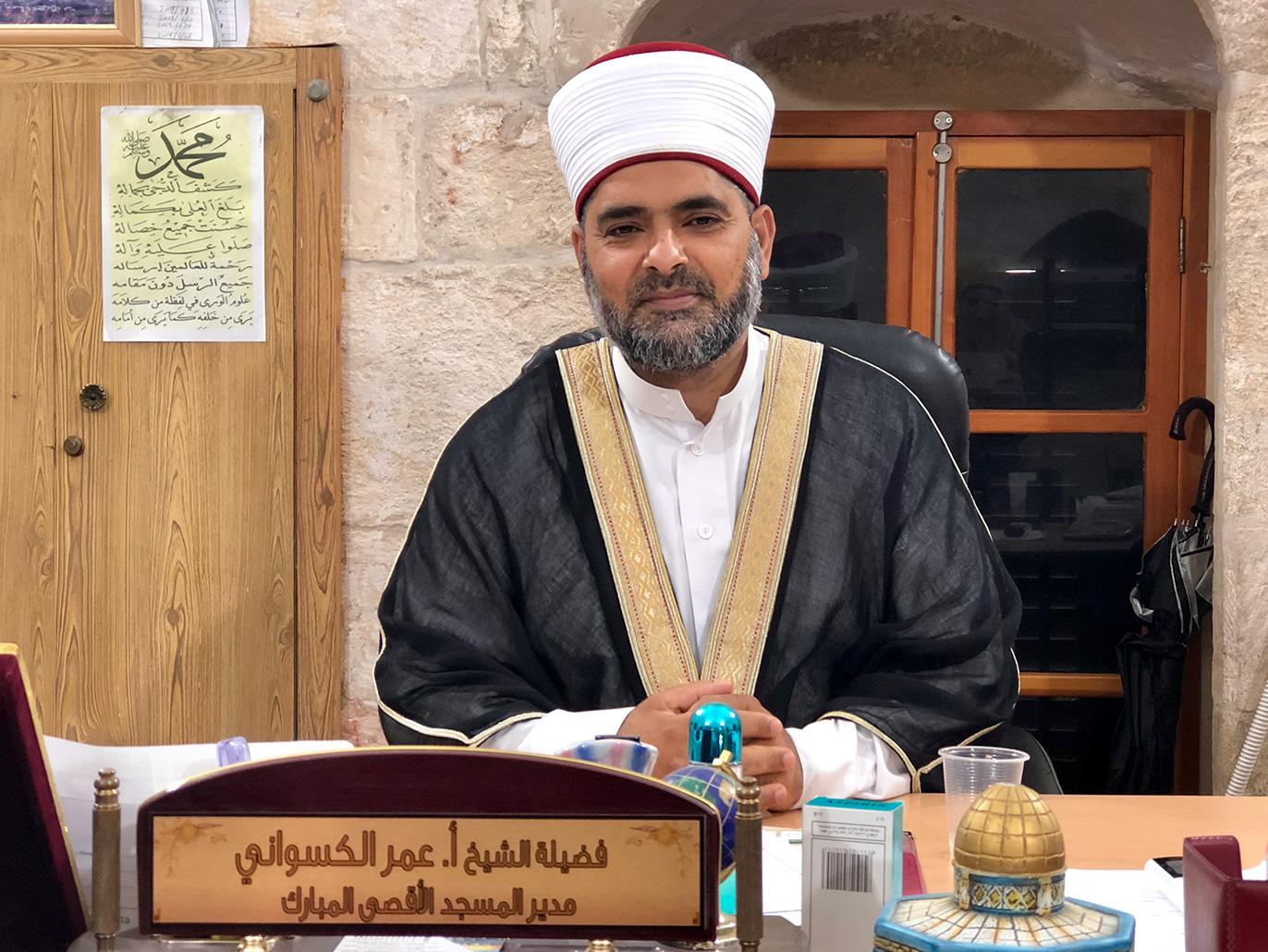 Photo of الكسواني: أداء صلاة الجمعة في الساحات الخارجية للأقصى