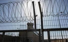 أمضى 12 عاماً في السجون.. الاحتلال يحكم بالسجن 30 شهرًا وغرامة مالية على أسير من جنين