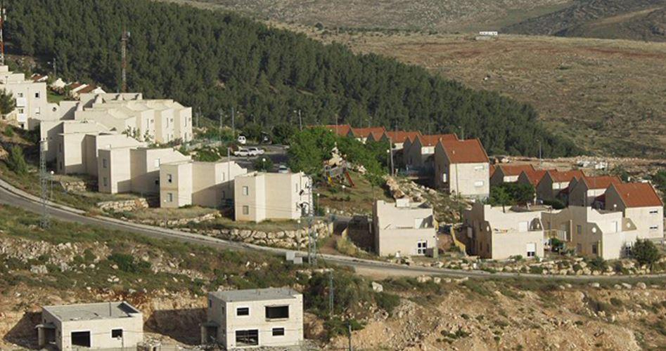 Photo of الاحتلال يستولي على 327 دونما ويخطر بهدم 4 مساكن بالضفة