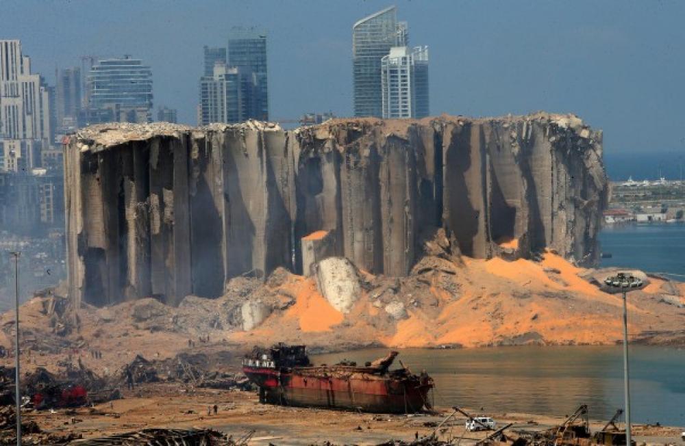 Photo of رويترز تكشف: مسؤولون حذروا قيادات لبنان خلال يوليو من متفجرات المرفأ