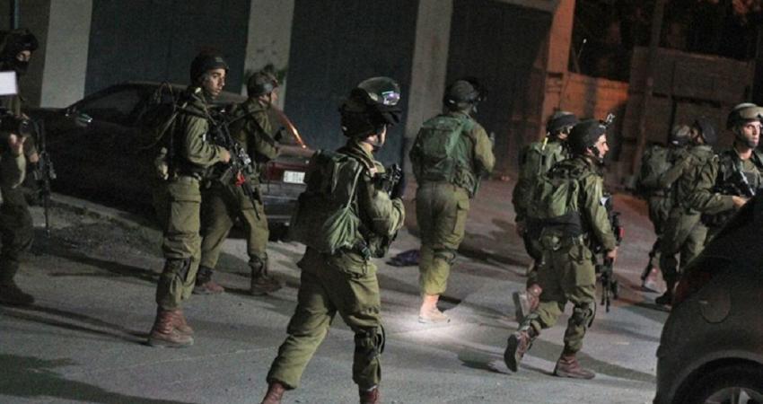 Photo of الاحتلال يعتقل مواطنَين من الخليل