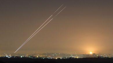 Photo of هآرتس: صواريخ مراسم التطبيع تذكر بأن غزة أقرب من دبي