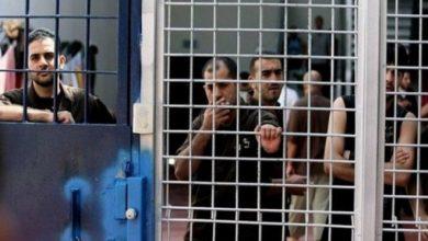 "Photo of الاحتلال ينقل عددا من أسرى ""عوفر"" إلى الزنازين"