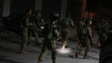 Photo of الاحتلال يعتقل 3 مقدسيين ويقتحم مصلى باب الرحمة