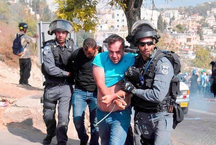 أشرف عزايزة أثناء اعتقاله في تشرين الأول 2014