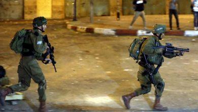 Photo of إصابات بينها خطيرة برصاص قوات الاحتلال بمخيم قلنديا