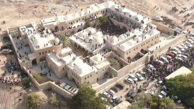 Photo of تحليل نقدي: كيف حاول الإعلام كتابة حدث تدنيس مسجد ومقام النبي موسى؟