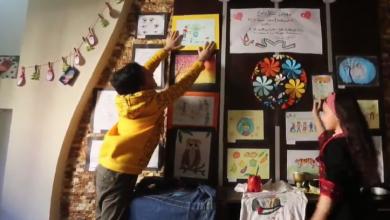 Photo of أطفال غزّة… تنظيم معارض تشكيليّة في المنازل