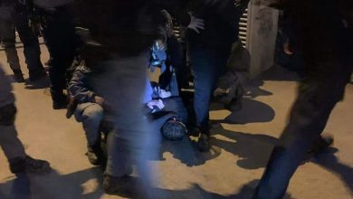 Photo of اعتقال شابين ومواجهات مع الاحتلال في باب العامود