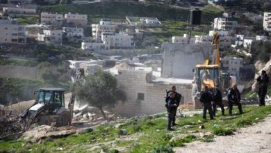Photo of مستوطنون يحاولون السيطرة على أرض تربط البيوت المسربة في سلوان