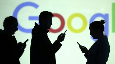 """Photo of """"انتبه لخطوتك"""".. ميزة تنبيه جديدة من غوغل تحذرك من استخدام الهاتف الذكي أثناء المشي"""