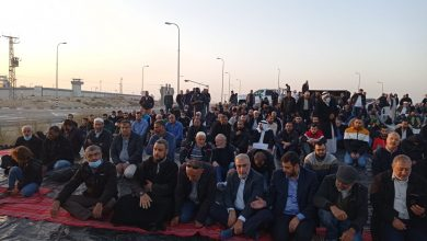 Photo of المئات يشاركون في الافطار الرمضاني امام سجن ريمون تضامنًا مع الشيخ رائد صلاح