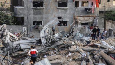 """Photo of وزارة الصحة الفلسطينية تحقق في سقوط شهداء اختناقاً بـ""""غازات سامة"""""""