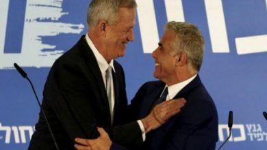 Photo of غانتس يتفق مع لابيد ويمنحه الموافقة لتشكيل الحكومة