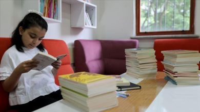 Photo of للتغلب على آثار كورونا… طفلة تركية تقرأ 175 كتابًا في عام