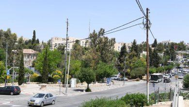 Photo of الشيخ جراح: العائلات المهددة بالتهجير ترفض التسويات وتستند إلى وثائق أردنية وحقها بملكية العقارات