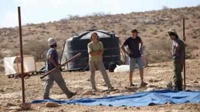 Photo of مستوطنون يجرفون أراض بالأغوار تمهيدا لمصادرتها