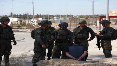Photo of الاحتلال يفرج عن صحفيين احتجزهم لساعات في الضفة