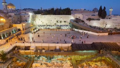 Photo of حفريات وأعمال بناء إسرائيلية مستمرة في ساحة البراق
