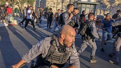 Photo of 20 جريحًا و7 معتقلين بقمع الاحتلال الفلسطينيين في باب العامود